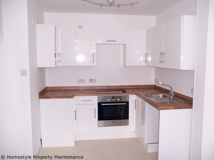 Kitchen fitting gallery verwood ringwood wimborne for Small flat kitchen design